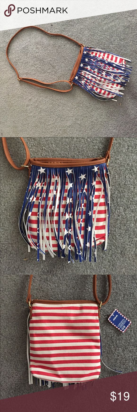 🇺🇸 American Flag crossover Purse 🇺🇸 BRAND NEW Brand new. Tags still on. Very lightweight. Adjustable strap! Claire's Bags Crossbody Bags