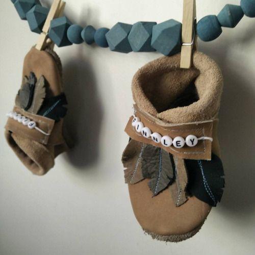 Federpuschen  #handmade #handmadewithlove #sewingforkids #sewingwithlove #leather #lederpuschen #leder #Federn,