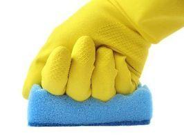 Limpieza de paredes: Mezcle 1 taza de amoniaco  con 1 Galón de Agua Fría en balde.