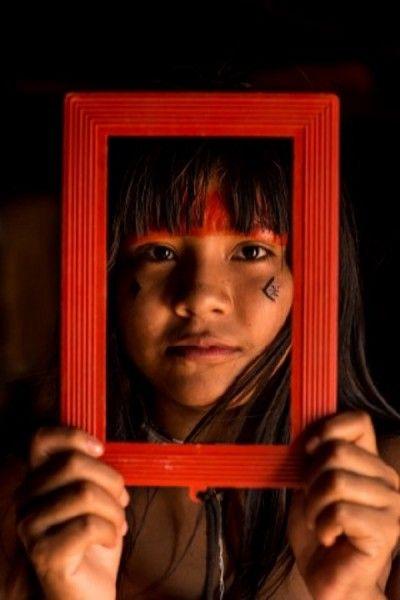 'Já Fui Floresta' explora relação entre indígenas e mundo globalizado | Catraca Livre
