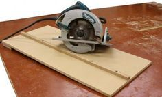 woodworking w/o a table saw....how to use a circular saw for exact cuts.. .. OMGARSH... I needed this diy
