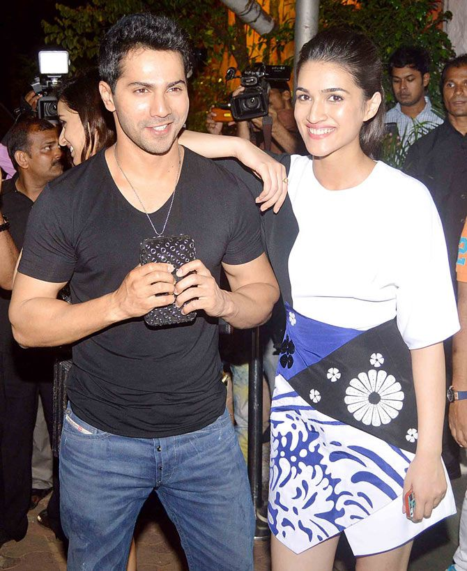 Varun Dhawan with Kriti Sanon at the 'ABCD 2' success bash. #Bollywood #Fashion #Style #Beauty #Hot #Sexy #Handsome