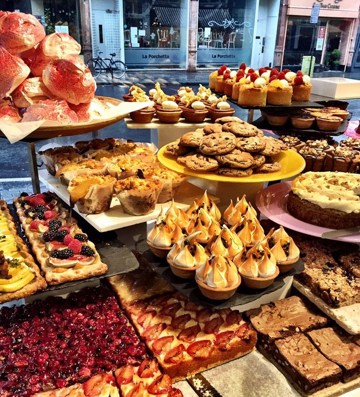 Refined sugars galore at #OttolenghiIslington Good morning.
