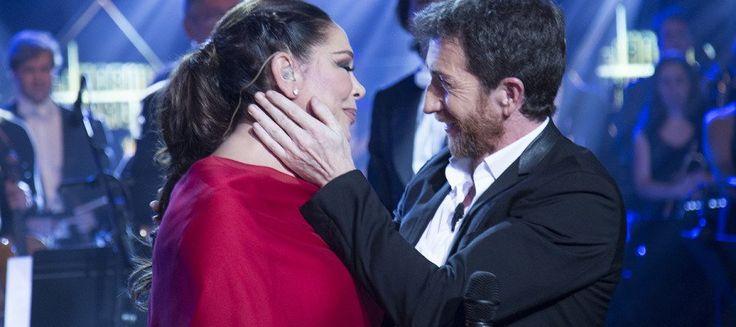 """antena 3 on Twitter: """"Isabel Pantoja pone en pie al público de @El_Hormiguero con una de sus actuaciones más especiales https://t.co/7JdlmchVtq #PantojaEH https://t.co/CbjObfXjc6"""""""