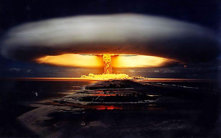 Het boek eindigt rond de periode van de atoombom in 1945.: