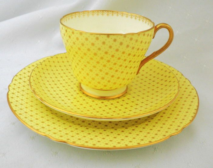 17 best images about shelley on pinterest queen anne for Gold polka dot china