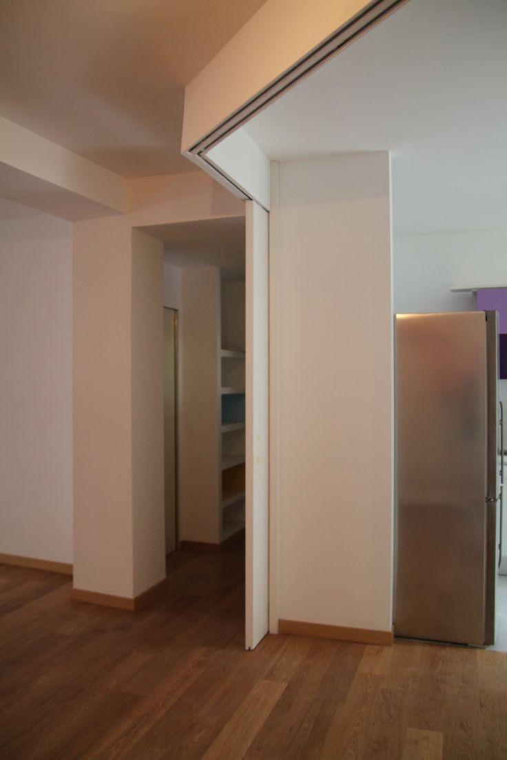 Casa napolitano roma porta scorrevole a soffitto che for Cucina aperta