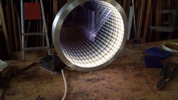 """Часы """"Бесконечность""""  своими руками: зеркало + светодиодная лента + стекло"""