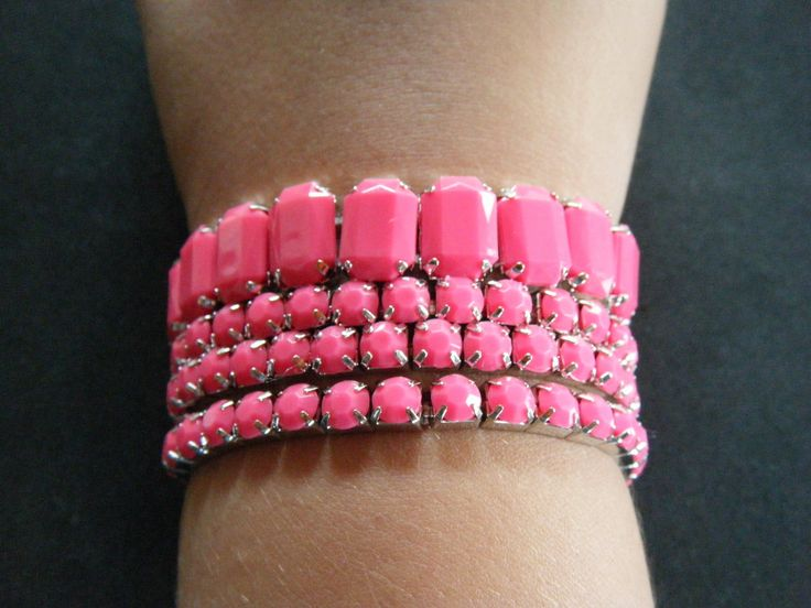 Set of 4 Pink Stretch Beaded Fashion Accessories Bracelet #pinkbracelets #fashionbracelets #pinkbracelets #pink #setof4bracelets #fashionjewelry