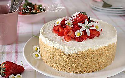 Cheesecake fredda alle fragole, senza cottura, fresca e golosa