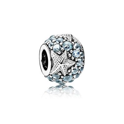 The Oceanic Starfish charm makes you think of relaxing days at the beach #PANDORA #PANDORAcharm #SummerCollection16