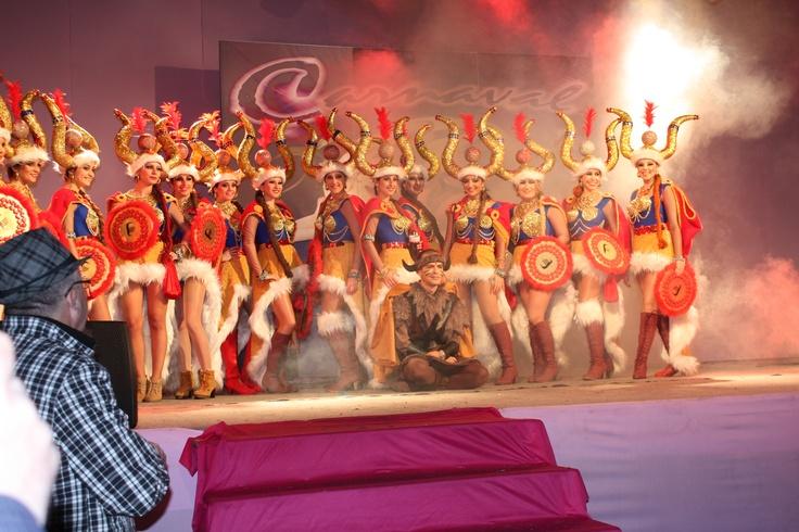 DIY: Disfraz lunes de carnaval 2012 reinas vikingas
