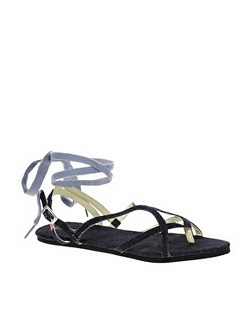 I was looking for a pair of blue sandals, and even if i do not normally like jeans accessories these are not bad. Diesel, €64