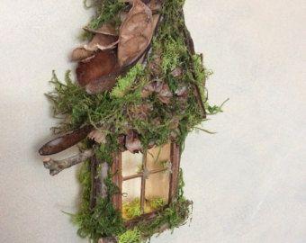 Fairy venster met puntgevel Pinecone Accent door OliveNatureFolklore