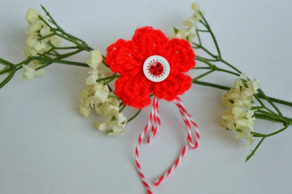 Check out this item in my Etsy shop https://www.etsy.com/uk/listing/268731732/martisor-martenitsa-button-crochet