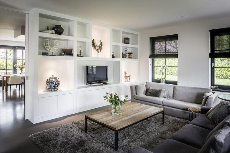 Groothuisbouw - Rietgedekte villa - Hoog ■ Exclusieve woon- en tuin inspiratie.