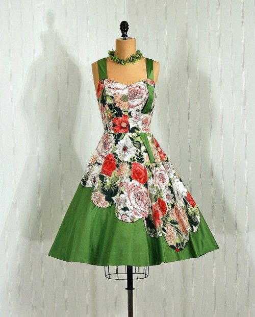 1950s dress via Timeless Vixen Vintage: 1950S Board, 1950S Dresses, 1950S Timeless, Vintage Dresses, 50 Years, 50 S Fashion, Dresses 1950 60 S, Vintage Clothing