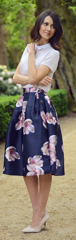 Floral skirt + scalloped collar blouse