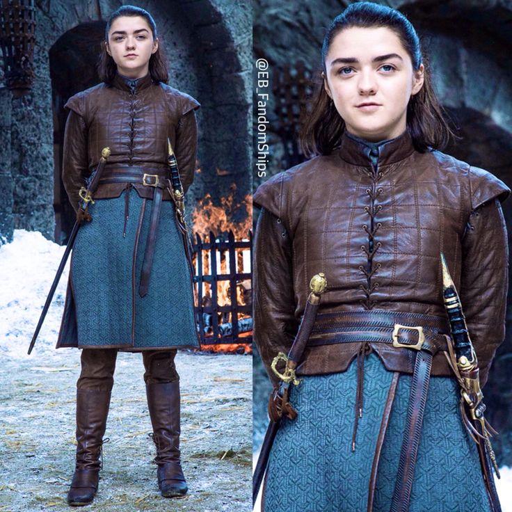 Mophie / Maisie Williams / Sophie Turner / Arya Stark / Sansa Stark / GoT / Game Of Thrones / Jon Snow / Kit Harington / Daenerys Targaryen / Emilia Clark / Gendry Waters / Joe Dempsie