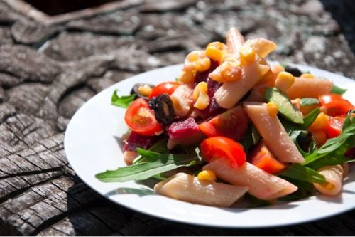 Pink Creamy Pasta Salad | .hungry&poor. student food
