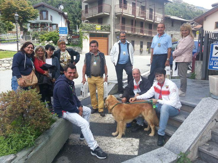 """un simpatico gruppo di Cinquecentisti presso la """" Crotta di Vegneron """" a Chambave ( Aosta Valley ) 02/08/2014  Primo Raduno FIAT 500 Cinquino nella Valle del Cervino 2014  FIAT 500 CLUB ITALIA COORDINAMENTO DI CREMONA #valtournenche #breuilcervinia #cervino #aostavalley #enjoycervino #summeradrenaline #fiat500 #fiat500owners #fontina #dreamcar #finally #happy #loveit #car #minicar #italiancars #fiat"""