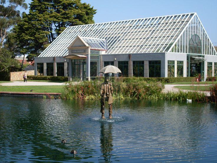 Beautiful place to wander on a warm, sunny day - St Kilda Botanical Gardens #stkildabotanicalgardens #parksandgardens #melbourne #stkilda