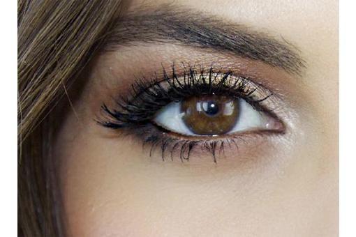 oogschaduw voor bruine ogen