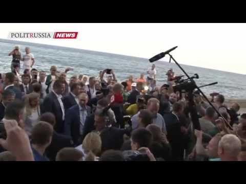 В День Рождения Путина СМИ вспоминают самые яркие моменты его работы за 2015 год - http://russiatoday.eu/v-den-rozhdeniya-putina-smi-vspominayut-samye-yarkie-momenty-ego-raboty-za-2015-god/                              Видео: Ruptly7 октября 2015 года Владимир Путин отмечает свой 63-й День рождения.Его график всегда очень насыщен�