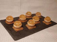 Boule de foie gras, gelée de vin blanc liquoreux et brunoise de poires