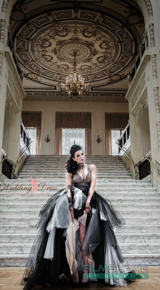 Alta moda Vintage gotico sposa abito retrò ispirato Handmade alle vostre misure
