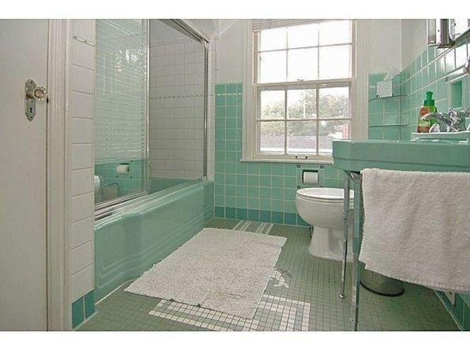 Retro Mint Green Bathroom Tub Toilet Sink Ksl Com Green Tile Bathroom Green Bathroom Retro Bathrooms