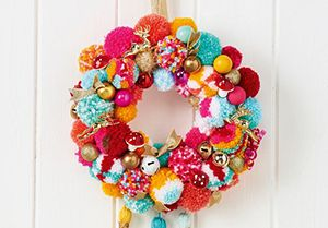 Pom Pom Wreath ~ Mollie Makes ~ Issue 72.
