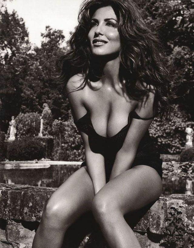 Sabrina Ferilli  Black And White Photography Hot  -7965