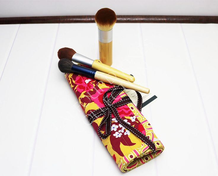 Excited to share the latest addition to my #etsy shop: Makeup Brush Roll - Cosmetic Brush Roll - Travel Brush Holder - http://etsy.me/2FrcePS #bagsandpurses #makeupbrushholder #makeupbrushroll #cosmeticbrushroll #joeldewberry #talfourdjones