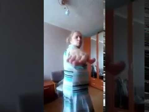 """Деревенская Девушка отжигает в танце """" Порвала интернет """" Прикольно"""