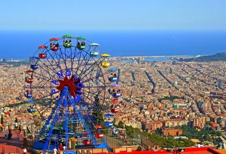 Tibidabo is the highest mountain of Barcelona. From here, one has a phantastic all-round panorama view down to Barcelona. There is a chirch called Templo Expiatorio del Sagrado Corazón (the Sacred Heart) at the peak of Mount Tibidabo with the statue of Jesus Christ with out-stretched arms.