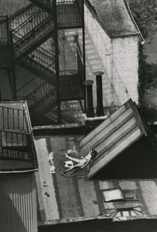 Photo by André Kertész. Sunny Day, New York, August 12, 1978.