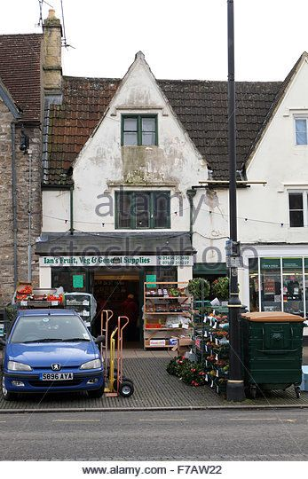 Traditional small town fruit and veg shop in Chipping Sodbury. December 2014 - Stock Image