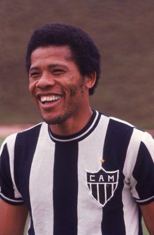 Dario José dos Santos, mais conhecido como Peito de Aço ou Dadá Maravilha. Em 290 jogos, se tornou o segundo maior artilheiro do Clube Atlético Mineiro, ao marcar 211 gols. #PeitoDeAço #DadaMaravilha #Galo