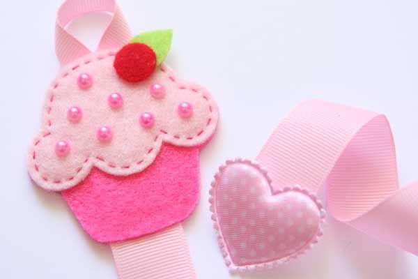 Cupcake hairclip holder
