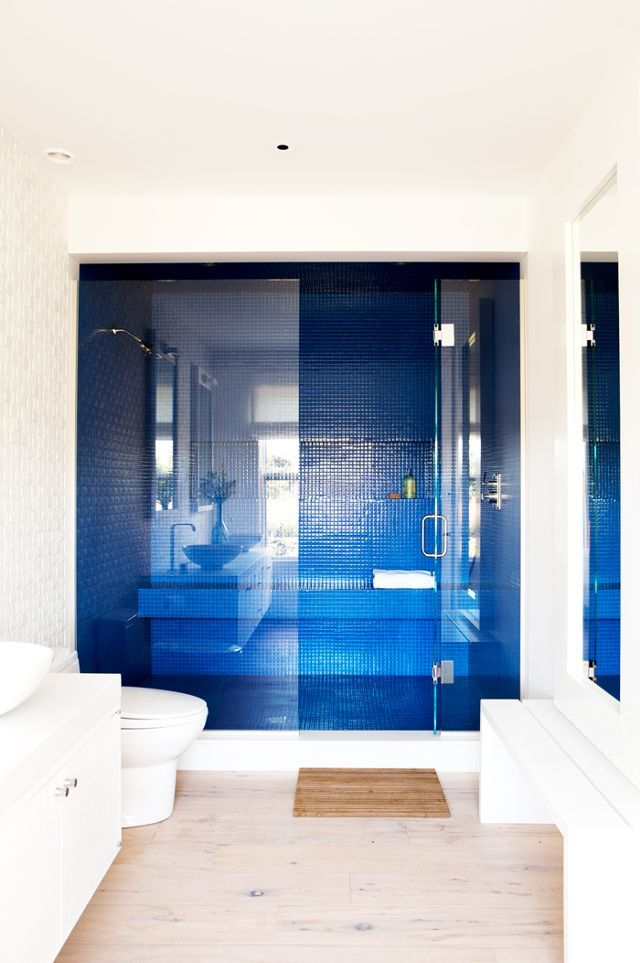Best 25+ Royal Blue Bathrooms Ideas On Pinterest