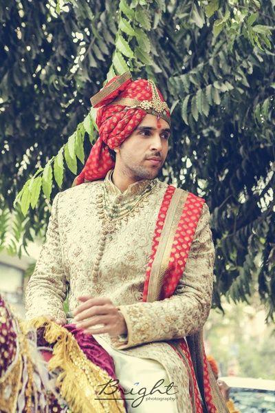 groom sherwani, groom's sherwani, off white sherwani, jewellery for groom, groom jewellery, groom look