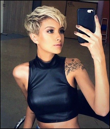 20 Irresistible Short Hairstyles for Women | #shorthairstyles #shorthairstyles2019 #Bob #Pixie #Popular #short #haircuts  #Short Hairstyles 2019 #Short Hairstyles 2020 #Stylish Womens 2019