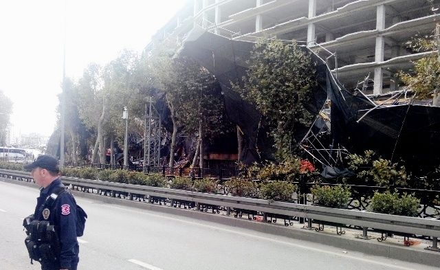 scaffold collapse wind affect