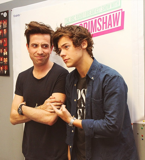 Harry and Nick Grimshaw at Radio 1 this morning. :)