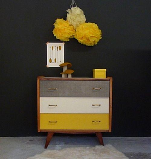 commode-vintage-pieds-compas-jaune-noir-blanc-1