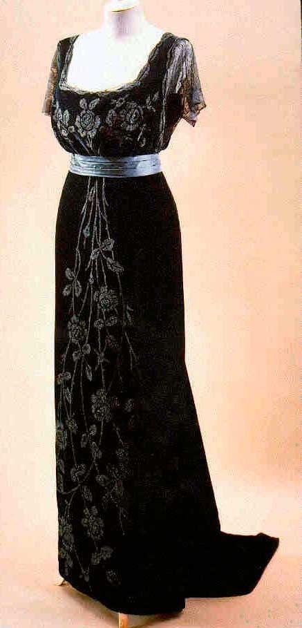 gowns doucet   Black evening gown by Jacques Doucet, ca. 1908.