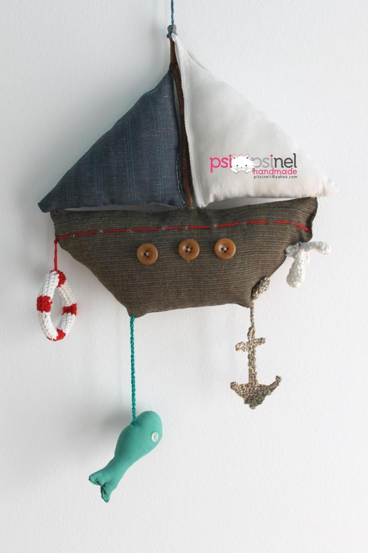 Combined techniques  Crochet, sewing, upcycling    Made by Psipsinel Handmade  https://www.facebook.com/pitsineli?fref=ts  http://psipsinelhandmade.tumblr.com/