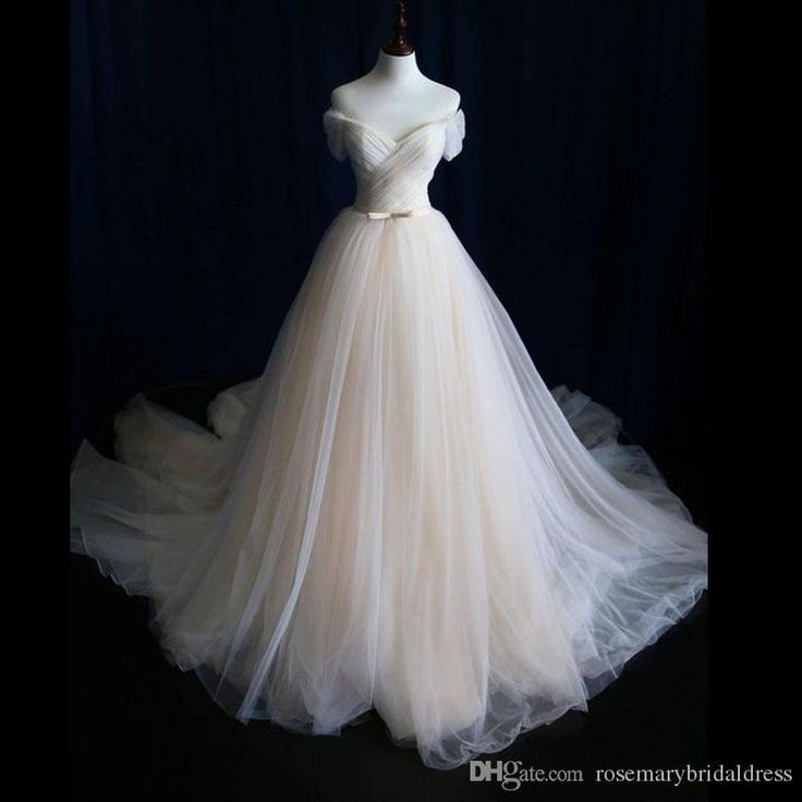 Light Champagne A Line Tulle Wedding Dresses Off the shoulder Stunning Pleats 2017 Bridal Wedding Gowns Beach Country Wedding Dress