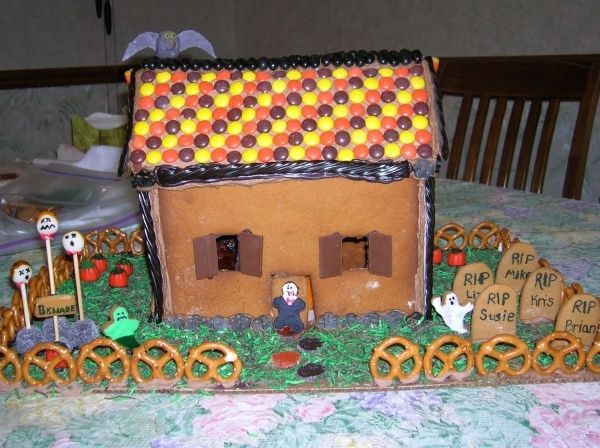 24 best Haunted Gingerbread Houses images on Pinterest | Halloween Gingerbread Haunted House Design on ghostly manor haunted house, cartoon haunted house, haunted house blank template, the scarehouse haunted house, inflatable haunted house, haunted turkey house, haunted winter house, haunted cookie house, raymond hill mortuary haunted house, animated haunted house, haunted victorian houses, haunted houses in texas, fun spot orlando haunted house, the scariest most haunted house, simple spooky house, haunted gingerbread tree, haunted house moon, haunted houses in alabama, haunted irish houses, haunted family house,